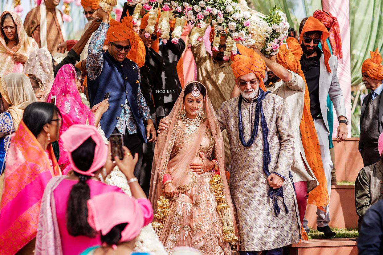 Picsurely Wedding Photographer Mumbai